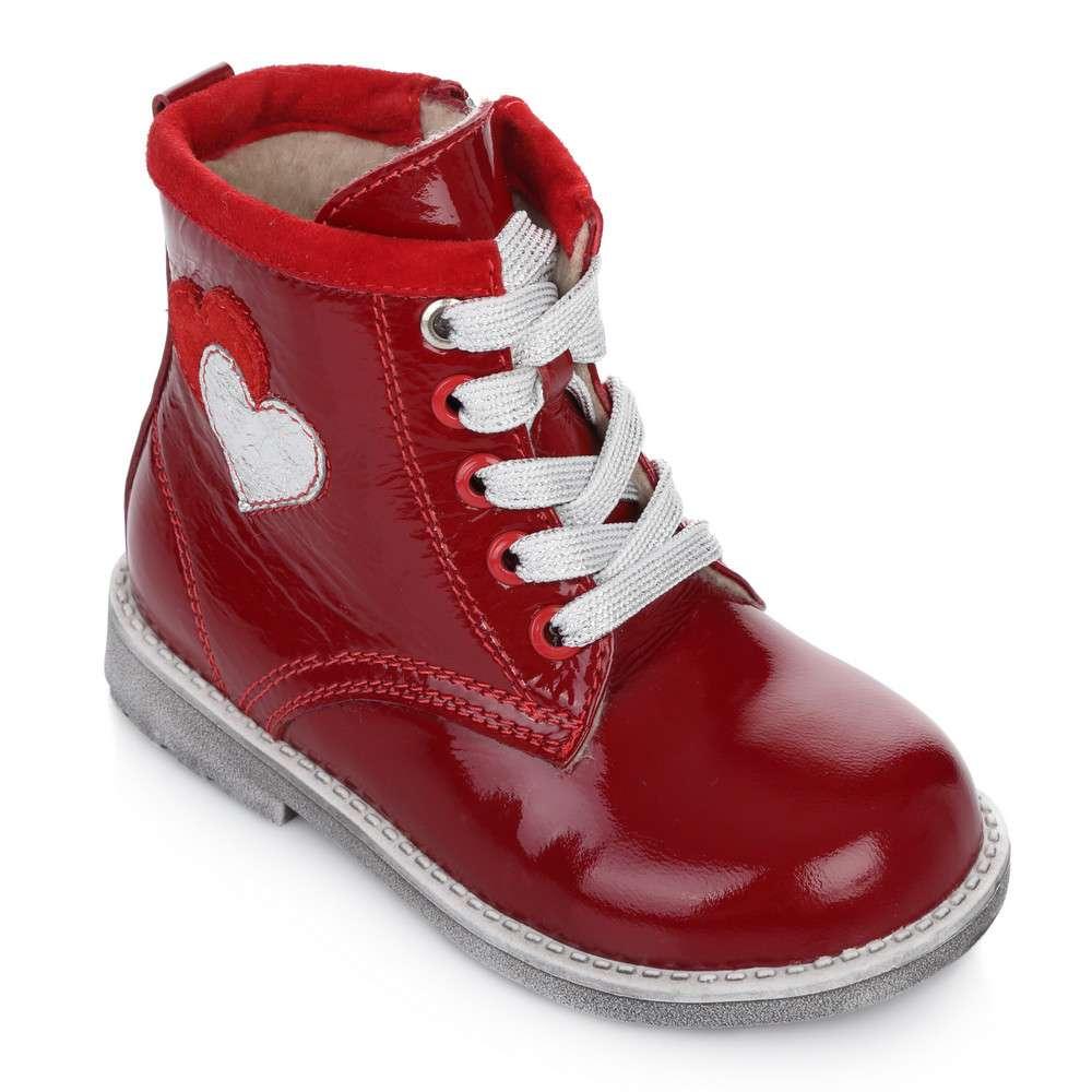 Лаковые высокие ботинки на шнуровке