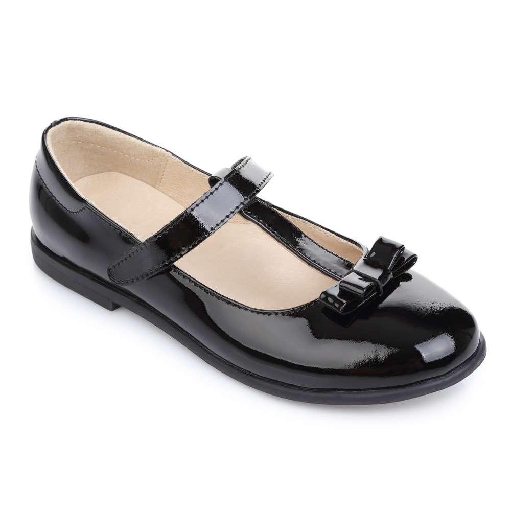 Кожаные лаковые туфли на липучке