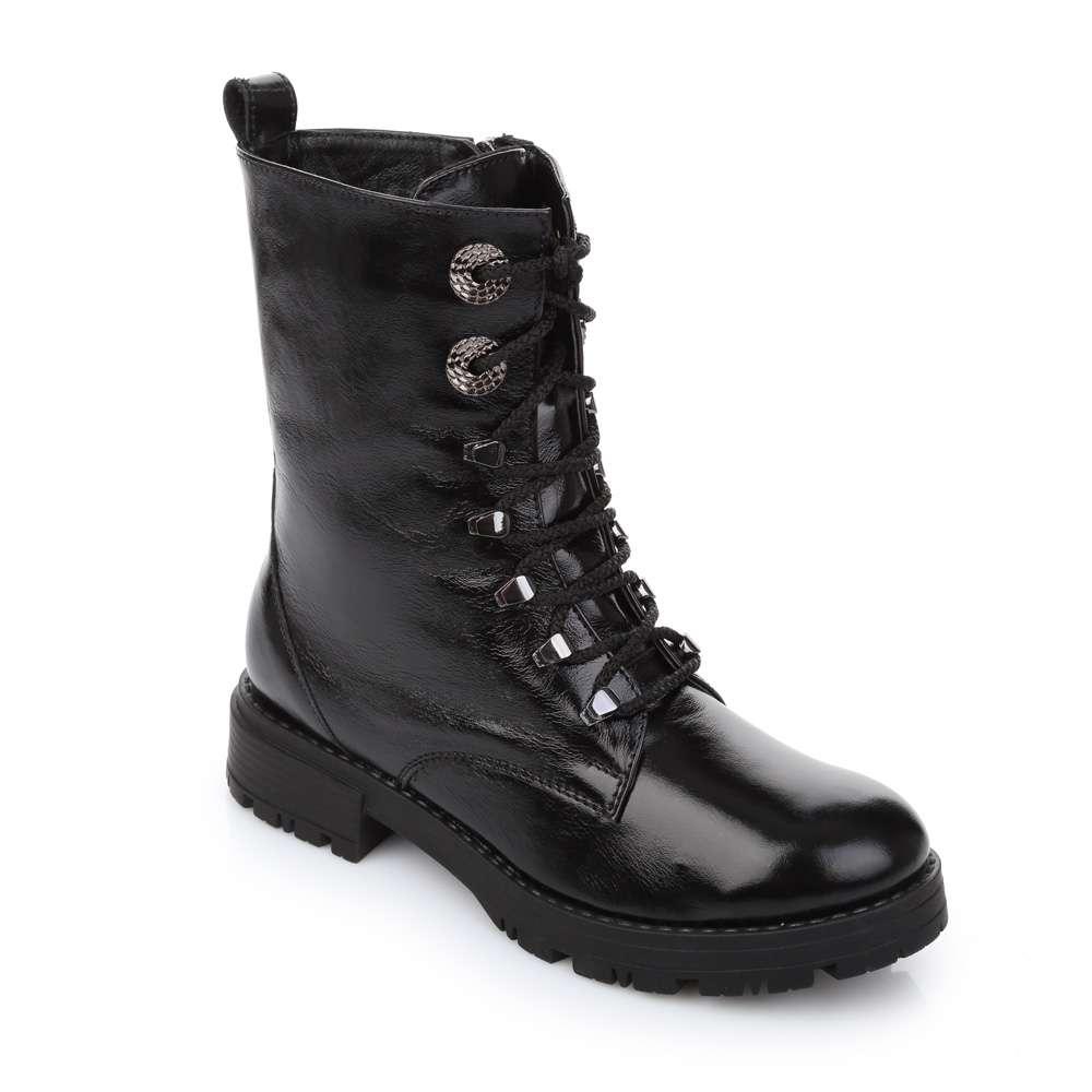 Высокие кожаные ботинки