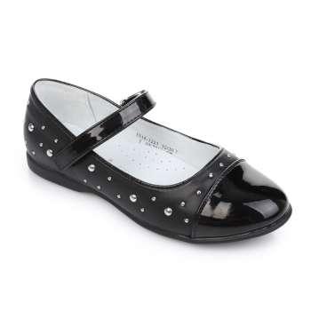 Туфли декорированные заклепками