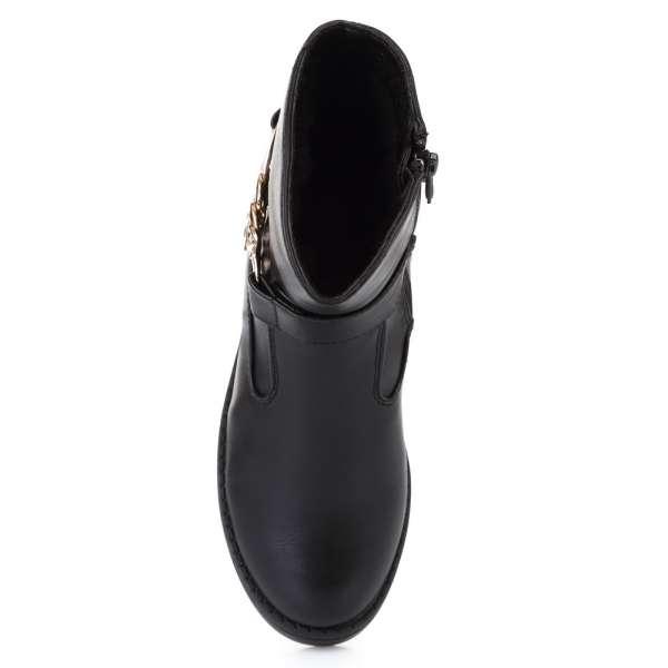Ботинки с декоративной цепочкой