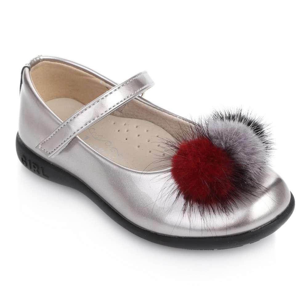 Туфли с помпонами