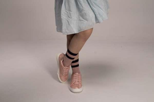 Кроссовки на шнуровке-резинке