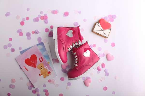 Ботинки кожаные цвета фуксии